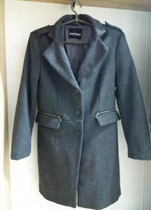 Очень классное серое пальто от bruno banani