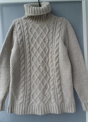 Теплый свитер с мохером