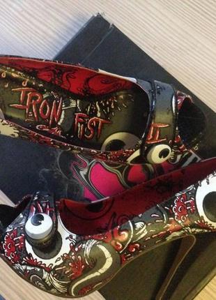Крутые туфли iron fist 39-40 супер на хелоуин
