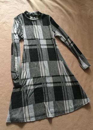 Платье в серо-черных тонах в клетку от atm