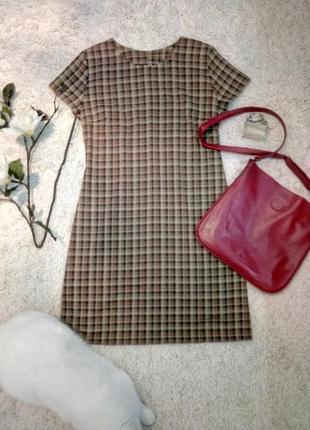 Базовое короткое платье в принт на демисезон