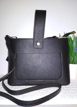 Удобная сумочка из натуральной кожи. черная
