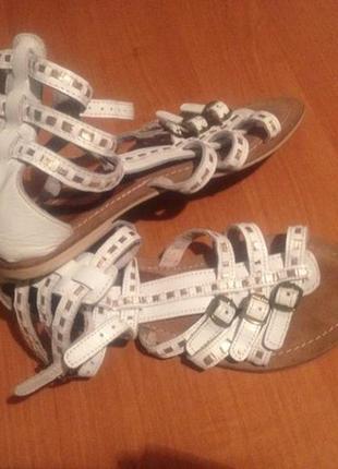 Супер скидка!!! очень крутые сандалики