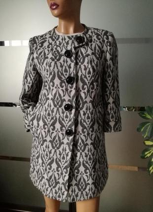 Стильное шерстяное пальто в стиле vogue