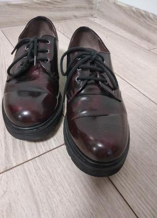 Шкіряні туфлі на шнурівках nero giardini