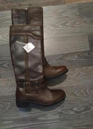 Осенние коричневые кожаные сапоги, фирма flore, размер 37