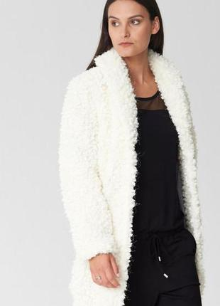Оригинальное пальто от бренда s.oliver разм. 38
