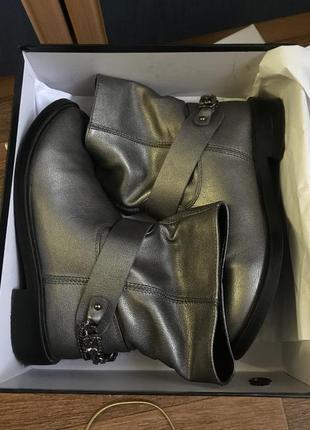 Серебряные ботинки на низком каблуке elmira {x7-131b6-3}