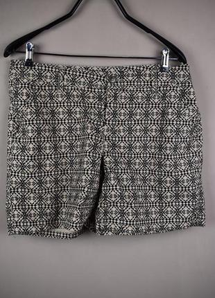 Очень стильные короткие шорты с красивым узором от yessica