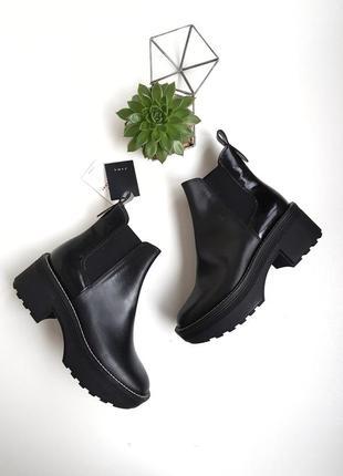 Идеальные кожаные ботильоны ботинки челси на платформе