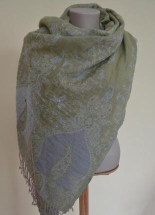 Шерстяной итальянский шарф палантин