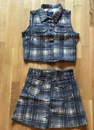 Джинсовый комплект в клетку жилетка и юбка трапеция на пуговицах, хс-с или на подростка
