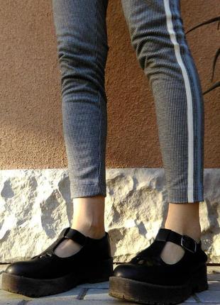 Взуття в стилі лолі