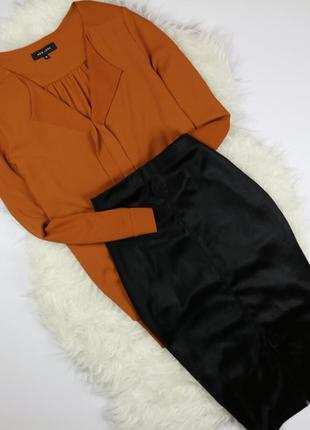 Изысканная блузка кирпичного цвета
