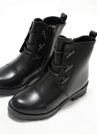 Женские зимние черные ботинки (полусапоги, сапоги)