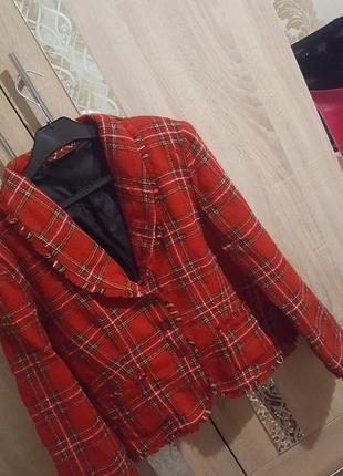 Актуальный пиджак в клетку в стиле chanel