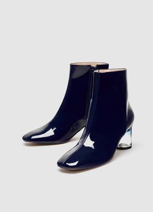 Сапоги / ботинки з лакованої еко шкіри zara - 38