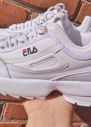 Белые кроссовки на массивной подошве. фила. 36-41.