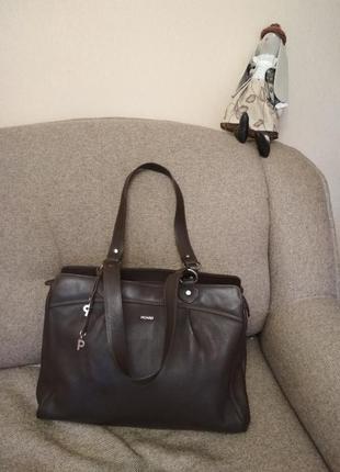 Обьемная, брендовая , деловая сумка picаrd