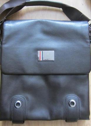 Мужскую сумку - планшет.