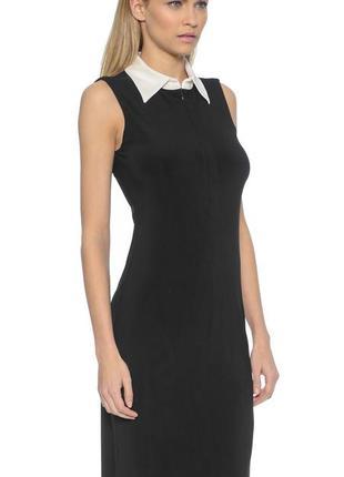 Идеальное классическое черное платье мини с белым воротником от oasis