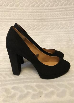 Шикарные чёрные туфли на устойчивом каблуке h&m
