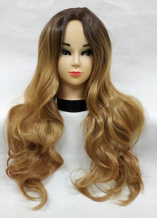 Парик блонд омбре 5332 длинный волнистый с пробором без челки перука