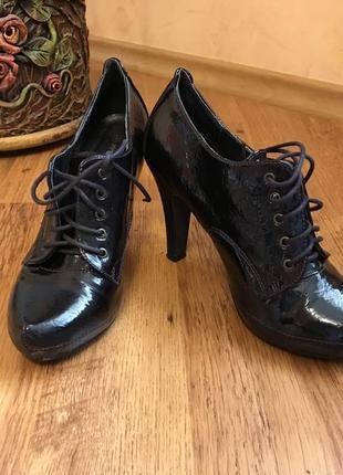 Лаковые туфли, ботильоны, ботинки на каблуке atmosphere