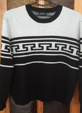Тепленький свитер