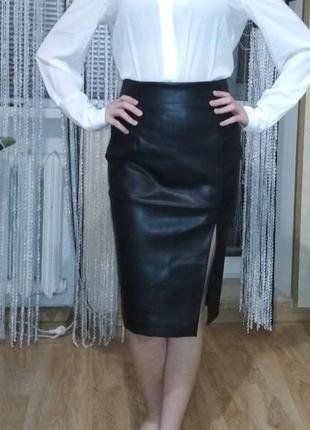 Шикарная юбка эко кожа. h&m