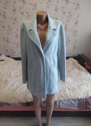 Бирюзовое пальто бойфренд, нежно голубое пальто