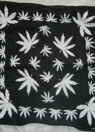 Бандана с листьями конопли
