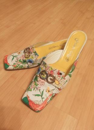 Итальянские кожаные мюли, босоножки в цветочный принт . giada gabrielli