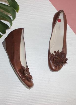 42 28см hogl кожаные мягкие туфли на танкетке