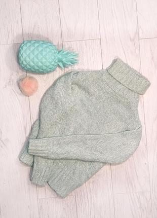 Нежный вязаный гольф , вязаный свитер