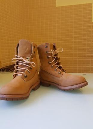 Стильные женские ботинки timberland