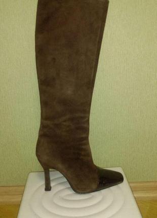 Красивые сапоги из замша с лаковым носком  бразилия