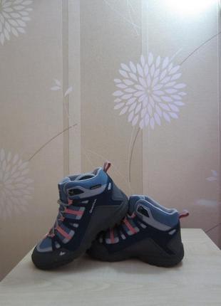 Водонепроницаемые ботинки quechua, р.34