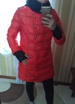 Зимовий жіночий пуховик