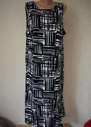 Новое красивое платье с принтом большого размера