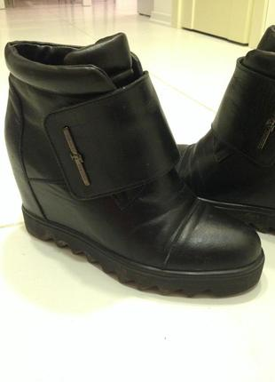 Ботинки на тонкетке, платформе