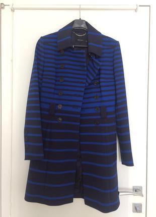 Темно-синее осеннее пальто в полоску karen millen