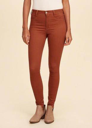 Hollister оригинал. скинни, джинсы цвет терракотовый. s/m