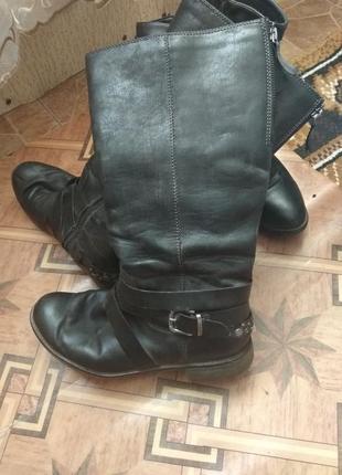 Кожаные  сапоги евро зима класные,свободные