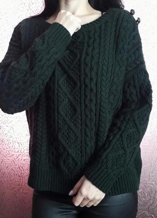 Темнозеленный свитер в косы фирмы atmosphere м