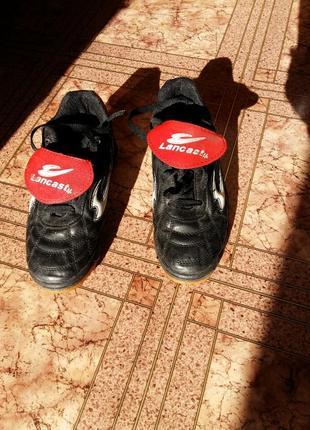 Кроссовки для футбола размер 37