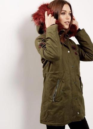 Парка с вышивкой хаки на 44р new look
