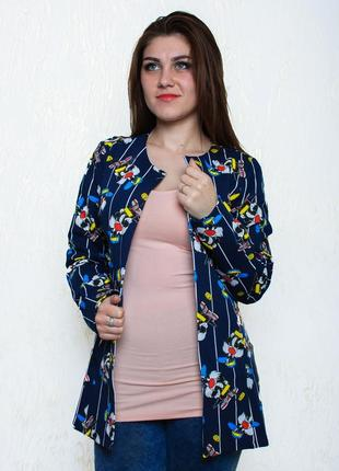 Стильный пиджак с ярким принтом
