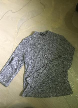 Укорочённый свитер гольф в рубчик