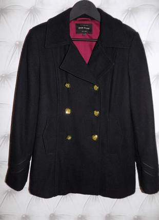 Стильное пальто... 52 % шерсть